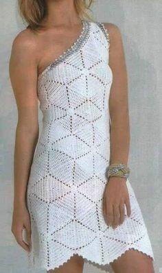 crochelinhasagulhas: Vestido branco em crochê com ombro único