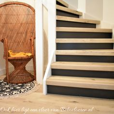 Home - Bebo Vloeren Hide Wires, Porch Entry, Gallery Frames, Rattan Basket, House Stairs, Cozy Blankets, Common Area, Home Look, Built Ins