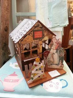 Victorian Christmas cottage,  so sweet ♥