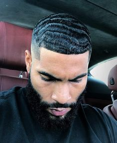 """s/o to my barber for keeping me wavy"" Haircuts For Balding Men, Black Men Haircuts, Black Men Hairstyles, Dope Hairstyles, Waves Hairstyle Men, Waves Haircut, Gorgeous Black Men, Just Beautiful Men, 360 Waves Hair"