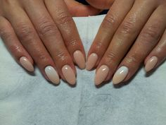 Sexy neutral almond nails
