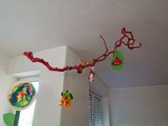 Ast als Aufbewahrung für Kinderbasteleien / Branch becomes storage for kid's crafts / Upcycling