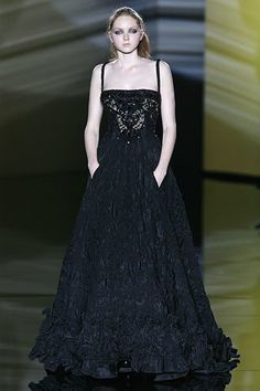 Elie Saab Fall 2006 Couture Fashion Show - Lily Cole