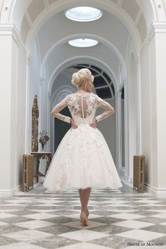 Vestido corto para boda de invierno Wedding dress fall 2014 charlotte long sleeve gown illusion back view