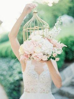 birdcage wedding bouquet #weddings #vintageweddings #weddingideas ❤️ http://www.rosesandrings.com/birdcage-wedding-ideas/