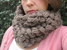 Crochet Spot » Blog Archive » Crochet Pattern: Chunky Cluster Cowl - Crochet Patterns, Tutorials and News