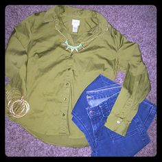 Selling this Chico's blouse size 1 xs sm in my Poshmark closet! My username is: trendsbyam. #shopmycloset #poshmark #fashion #shopping #style #forsale #Chico's #Tops