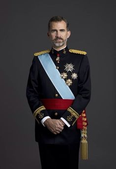 royalwatcher:  New photos released by the Spanish Court of King Felipe VI showing the king in the various uniforms of the military branches