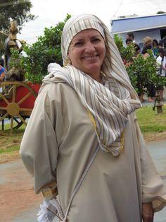 Cenógrafa Elisete na grande caminhada da fé.