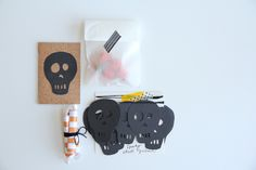 diy halloween mail: a mini party! | Lovely Indeed