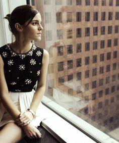 "suicideblonde: "" Emma Watson (in Jason Wu) - TIFF portrait, September "" Mode Chic, Mode Style, Vestidos Emma Watson, Emma Watson Estilo, My Emma, Emma Thompson, Fangirl, Style Outfits, Jason Wu"