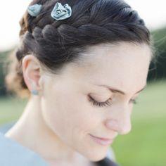noni - Smilla- Haarrosen für die Brautfrisur aus hellblauer Seide