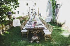Wood Long Table - @vweddingportuga @jesuscaballero_ #weddinginportugal #vintageweddinginportugal #vintagewedding #portugalwedding #weddingportugal #weddingsinportugal #myvintageweddinginportugal #rusticwedding #rusticweddinginportugal #thequinta #weddinginsintra #pinkwedding #pink