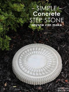 Simple concrete DIY step stone (using a catering tray for a mold!)  I'd love to make a few of these for my garden this year.