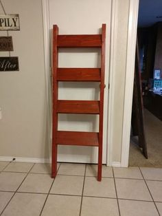 Used (normal wear) - 5ft Barn Red With 17 inch rungs.
