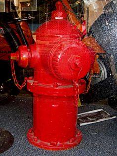 Antic's Shop - Brocante américaine Antiquités US - Borne incendie rouge US