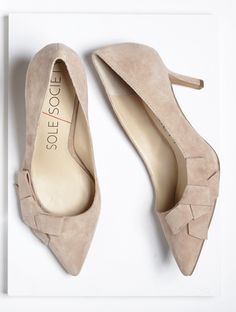 Darling bows on toes -- suede mid heel pumps