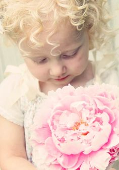 Vintage sweetie.  #photography #kids #flowers