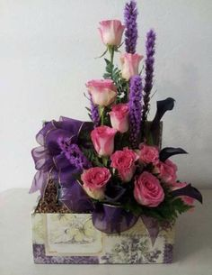 funeral flowers in a bird cage Tall Floral Arrangements, Beautiful Flower Arrangements, Beautiful Flowers, Floating Candle Centerpieces, Flower Centerpieces, Exotic Flowers, Fresh Flowers, Diy Flowers, Friendship Flowers