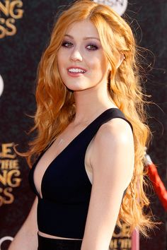 The new trend of peach hair - The new trend of peach hair The new trend of peach hair People with white skin should try this trend! With warm orange glints an… copper hair Katherine Mcnamara, Beautiful Red Hair, Gorgeous Women, Pretty Redhead, Redhead Girl, Different Braids, Peach Hair, Red Hair Woman, Different Hairstyles