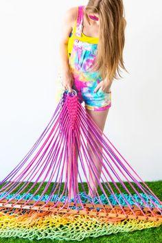 DIY Rainbow Tie Dye Hammock | studiodiy.com