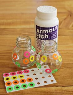 Glass etching: Cute and easy way to etch polka dots. would be cute to put etching around the sticker so it would look like rings all over. Wine Bottle Crafts, Mason Jar Crafts, Mason Jars, Canning Jars, Bottles And Jars, Glass Jars, Wine Glass, Creative Crafts, Fun Crafts