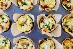 Eiermuffins mit Spinat, Tomaten und Feta