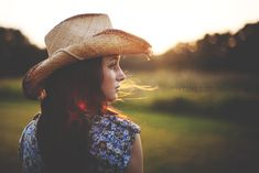 senior girl photography posing ideas #photography | Stephanie Pana Photography