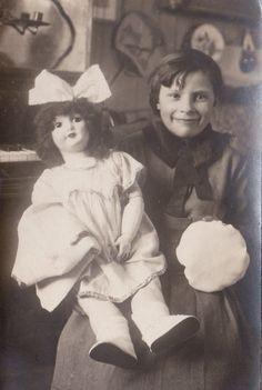 Georgette et sa poupée