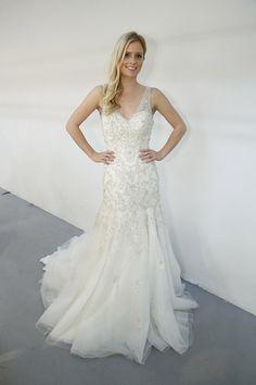 Roz la Kelin | Wedding Dresses | Fall 2015 | V Neck Wedding Gown | New York Bridal Week | #rozlakelin #weddingdress #weddingwire