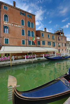 Venice Hotels: Best Western Hotel Olimpia, #Venice, Italy (Santa Croce), you'll be minutes from Tolentini and Piazzale Roma. This family-friendly hotel is close to Squero di San Trovaso and Rialto Bridge. http://www.lowestroomrates.com/avail/hotels/Italy/Venice/Best-Western-Hotel-Olimpia.html?m=p #lowestroomrates