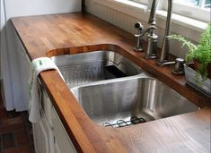 Ways To Choose New Cooking Area Countertops When Kitchen Renovation – Outdoor Kitchen Designs Bathroom Countertop Design, Countertop Redo, Outdoor Kitchen Countertops, Formica Countertops, Kitchen Countertop Materials, Butcher Block Countertops, Kitchen Counters, Paint Formica, Wooden Kitchen