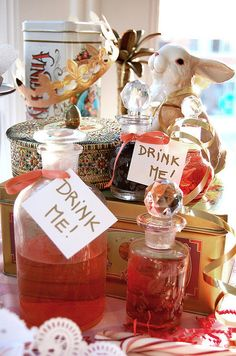 Mad Hatter Tea Party/Alice in Wonderland - Sorority Recruitment Theme idea Mad Hatter Party, Mad Hatter Tea, Mad Hatters, Alice Tea Party, Alice In Wonderland Wedding, Baby Shower, Holidays And Events, Halloween, Party Planning