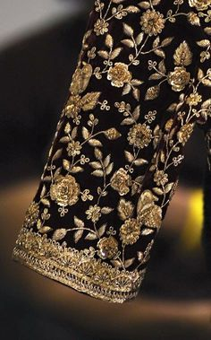 Excellent No Cost zardozi Embroidery Designs Tips You are welcome to palm adornments! Embroidering can be quite a calming imaginative shop to keep you Cost Designs Embroidery Excellent Tips zardozi Zardozi Embroidery, Hand Embroidery Dress, Embroidery Suits Design, Couture Embroidery, Gold Embroidery, Embroidery Fashion, Hand Embroidery Designs, Embroidery Ideas, Wedding Saree Blouse Designs