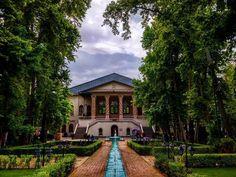 @h.kiaa عکس از دوستان این پیج برای حمایت فالو کنید @fatemeh.daneshvar… Persian Garden, Iran Travel, Tehran Iran, The Shining, Iranian, Dreams, Mansions, House Styles, Instagram