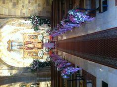 Iglesia boda con flores