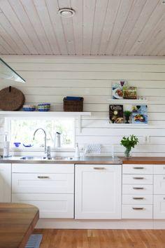 Kök från huset Näktergalen - Fiskarhedenvillan. Lucka: Studio vit   Ballingslöv