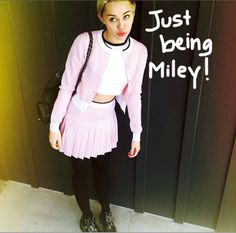 This Is What Miley Cyrus Wears To A Baby Shower!