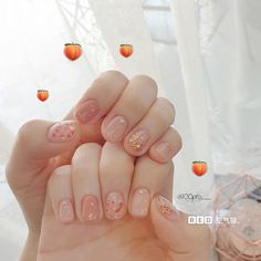 34 Perfect Gel/Acrylic Sequins Nail Designs Summer/Fall 2019 If you don't want to get caught up in the monotony of a manicure, so you might… Short Nail Designs, Fall Nail Designs, Cute Nail Designs, Acrylic Nail Designs, Korean Nail Art, Korean Nails, Soft Nails, Gel Nails, Acrylic Nails