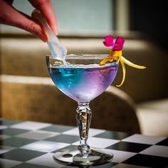 Check out a great little cocktail from @barlinkapp Drink photography elevated by @rlopez809 and @barminibyjose