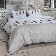 Spánok je pre človeka veľmi dôležitý. Kvalitné posteľné obliečky vyrobené zo 100% bavlny a vzory na posteľnej bielizni privedú Váš oddych k dokonalosti. Moderné motívy sa Vám budú páčiť. Bedding Sets, Comforters, Blanket, Furniture, Bedroom Ideas, Home Decor, Creature Comforts, Quilts, Decoration Home