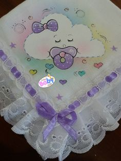 Pintura By Prika Reis Artes - Diy Crafts Baby Applique, Baby Embroidery, Embroidery Stitches, Machine Embroidery, Quilt Baby, Baby Painting, Fabric Painting, Applique Designs, Embroidery Designs