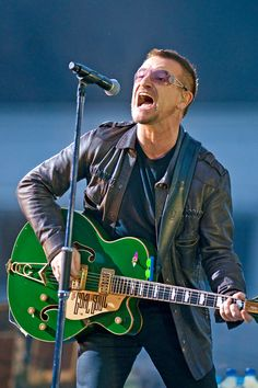 bono rattle and hum Rattle And Hum, Adam Clayton, Beatles, Rock Groups, Music People, Living Legends, Classic Rock, Cool Bands, Rock And Roll