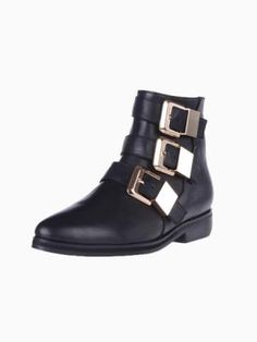 Point Ankle Boots With Buckle