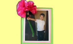 Create your own 3D photo bouquet craft for kids! Teachers - this is a quick and easy classroom craft that parents would love to receive. #kidscraft #studentcraft #classroom