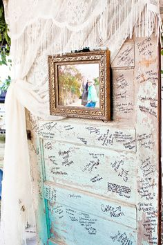 Alternative Guestbook: Photo by Tilt Shift Studios via Heather Renee Celebrations Wedding Guest Book, Our Wedding, Wedding Venues, Dream Wedding, Wedding Doors, Wedding Bells, Vintage Wedding Theme, Rustic Wedding, Guest Book Alternatives