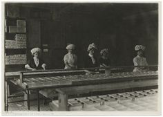 Candy factory workers (1900-1937)