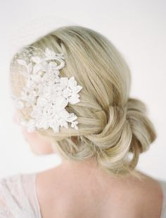 LOVE FIND CO The LEILA / Birdcage Veil with Lace Combs by Percy Handmade