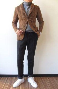 """L association d un cardigan à col châle marron et d un pantalon de costume  en laine gris foncé te démarquera de la masse sans trop être """"too much"""". 5920e0c3b07"""