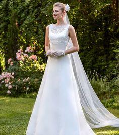 Robe de mariée Point Mariage - Modèle Dina, 500€